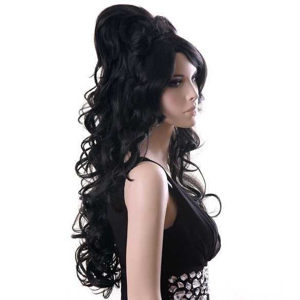 Luxe Amy Winehouse beehive pruik