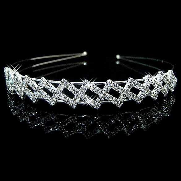 Luxe zilverkleurige diadeem met diamantjes