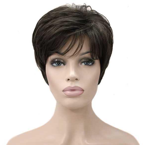 Moderne pruik kort bruin haar in laagjes kleur 8