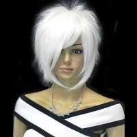 Cosplay Manga pruik wit kort haar in lagen met lange pony