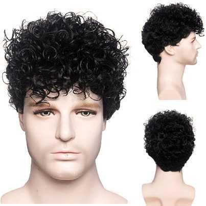 Mannenpruik met kort zwart haar met kleine krulletjes