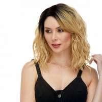 Goudblonde lace front pruik schouderlang golvend haar model Haydee