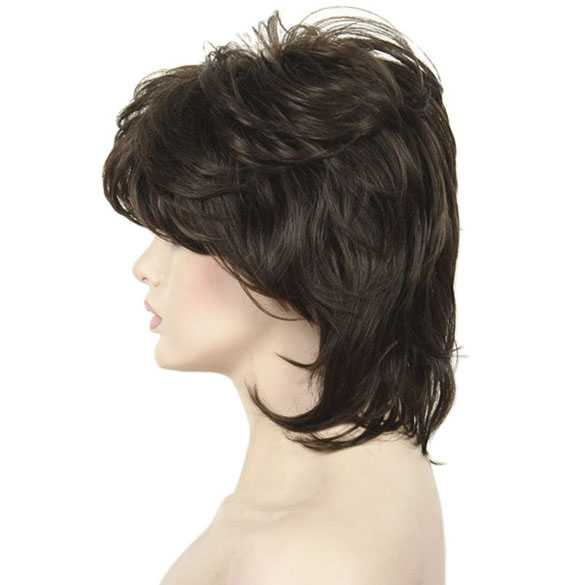 Moderne pruik kort haar in laagjes kleur 8